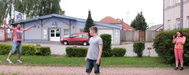 MOVING PHOTO