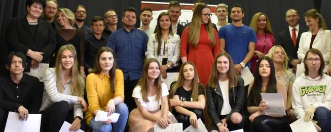 Slávnostné odovzdávanie maturitných a absolventských vysvedčení